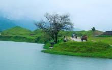 যেন স্বর্গীয় সৌন্দর্যে ভরা নীলাদ্রি লেক