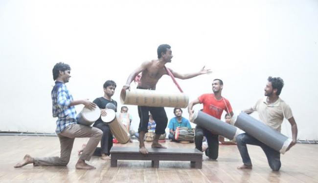 বিবর্তন যশোর'র নতুন প্রযোজনা 'মাতব্রিং'