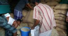 কাউখালীতে ১০ টাকা মূল্যে চাল বিক্রি শুরু
